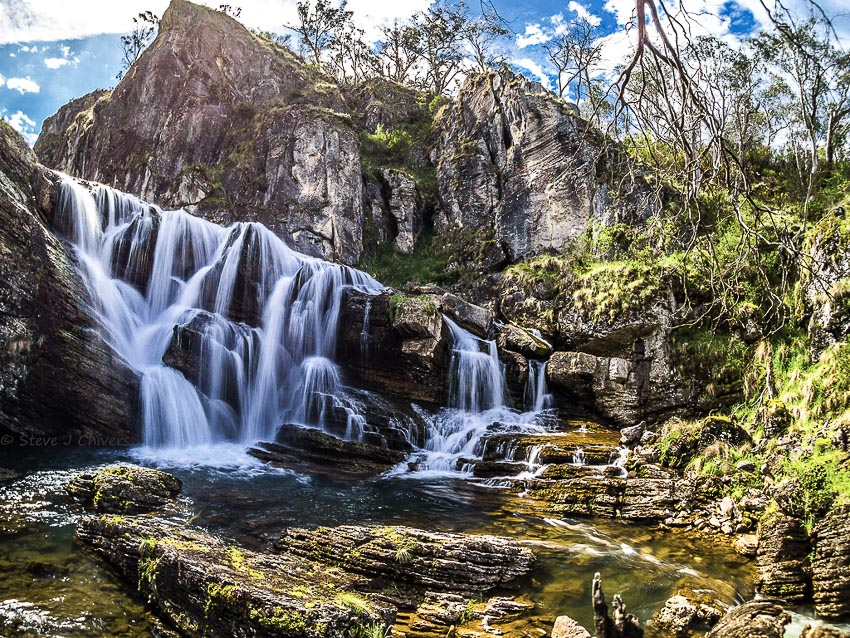 Cảnh sắc Kosciuszko rất đa dạng, trong đó phải kể đến những thác nước kỳ vĩ
