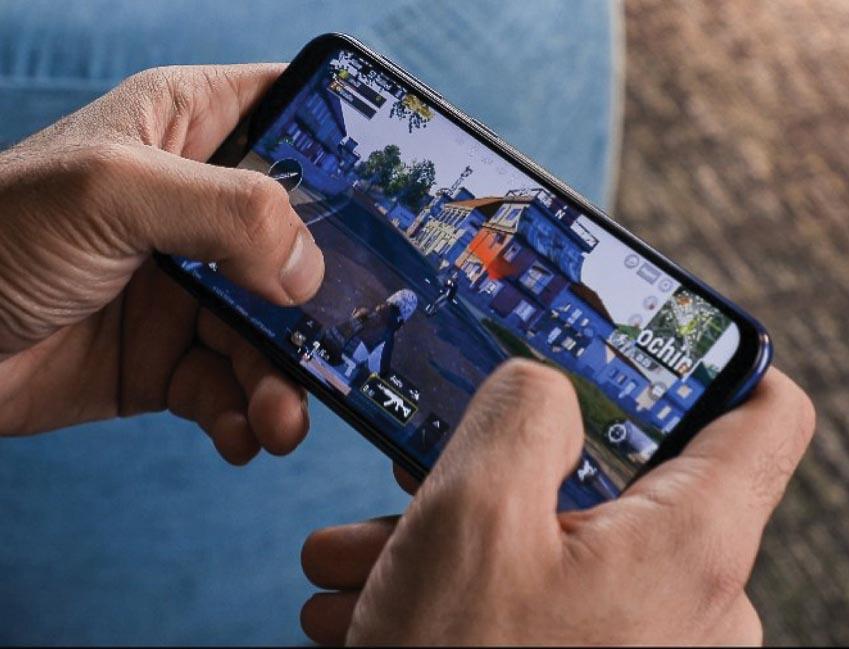 Những chiếc smartphone tầm trung 4