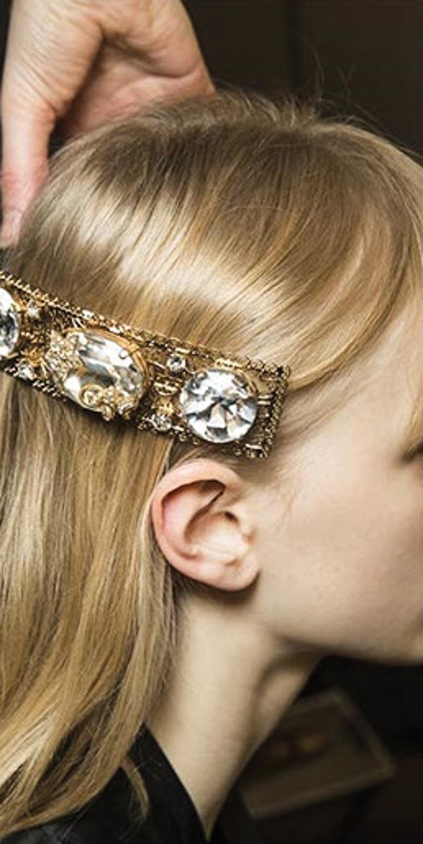Cặp tóc đá quý của Dolce & Gabbana 1