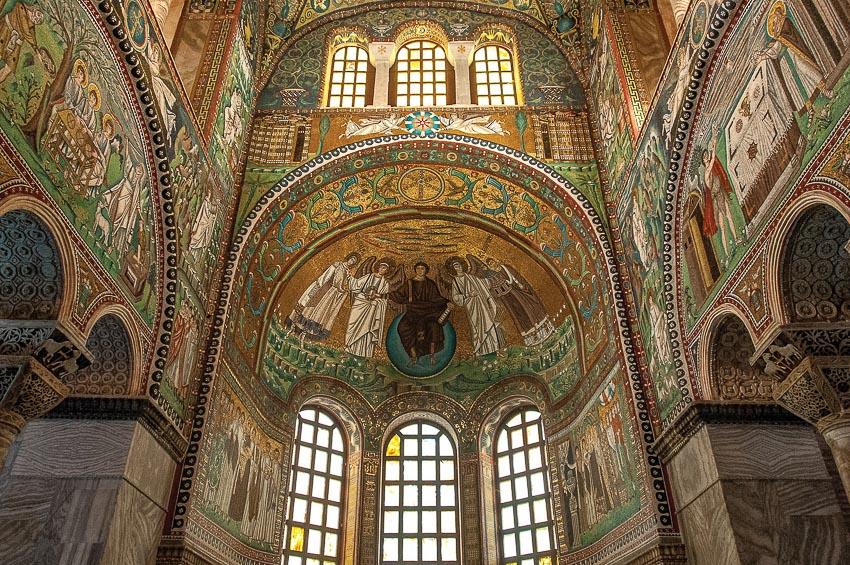 Bức tranh khảm ra đời vào thế kỷ 5 sau Công nguyên