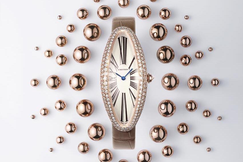 Chiếc đồng hồ kinh điển Baignoire Allongée của Cartier với tạo hình mới mẻ 2