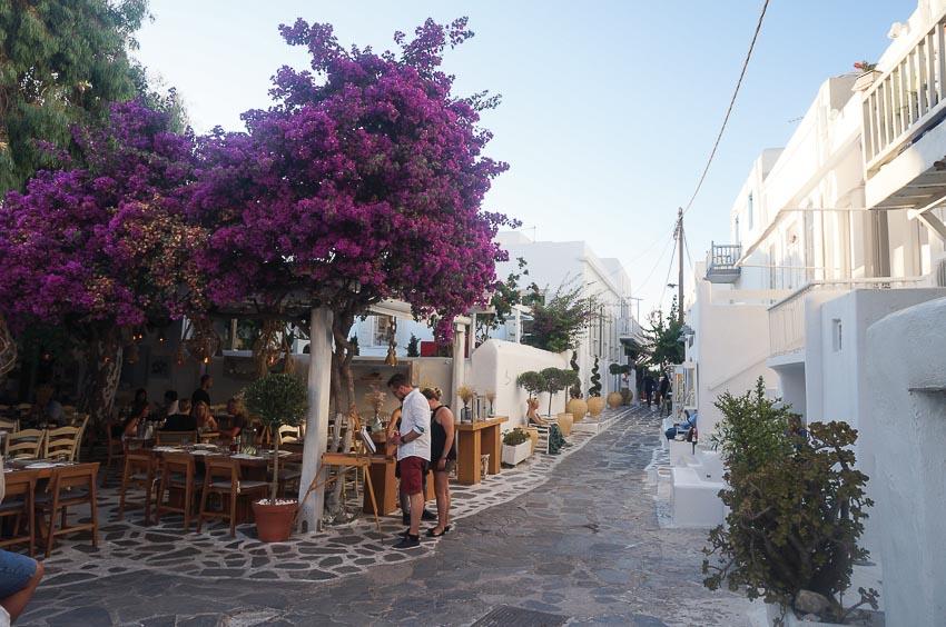 Một trong những quán cà phê được yêu thích nhất trong thị trấn Hora
