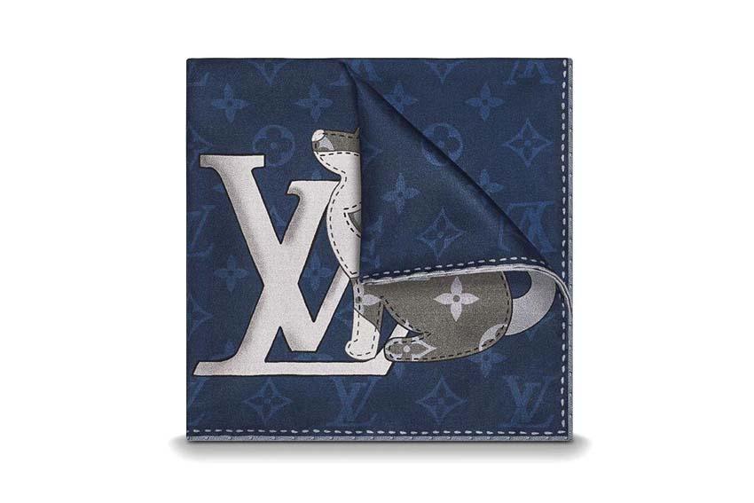Khăn tay bỏ túi hình họa tiết chú chó của Louis Vuitton