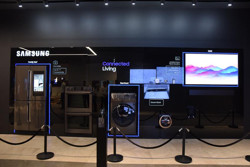Samsung Showcase 25