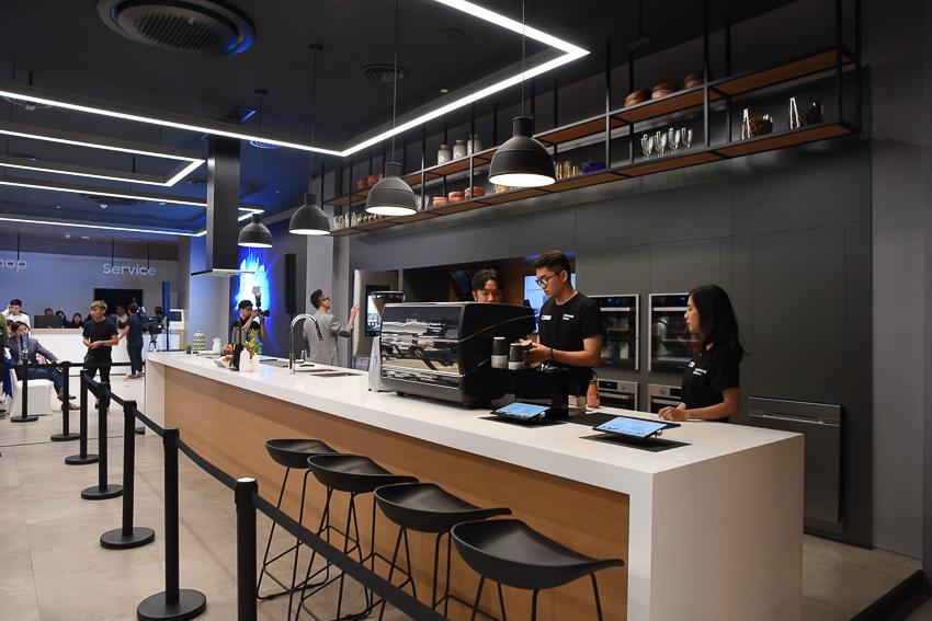 Samsung Showcase 08