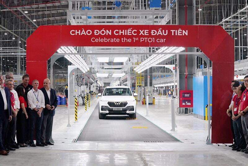 Vinfast hoàn thành sản xuất chiếc xe SUV Lux SA2.0 bản thương mại đầu tiên - 04