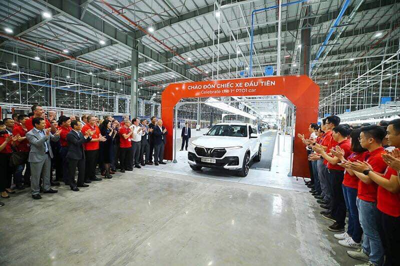 Vinfast hoàn thành sản xuất chiếc xe SUV Lux SA2.0 bản thương mại đầu tiên - 03