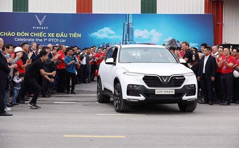 Vinfast hoàn thành sản xuất chiếc xe SUV Lux SA2.0 bản thương mại đầu tiên - 02