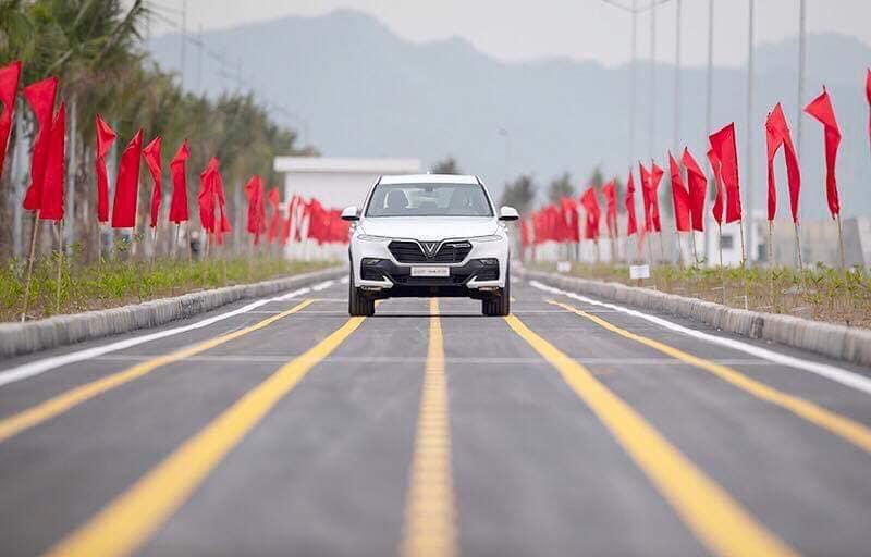 Vinfast hoàn thành sản xuất chiếc xe SUV Lux SA2.0 bản thương mại đầu tiên - 07