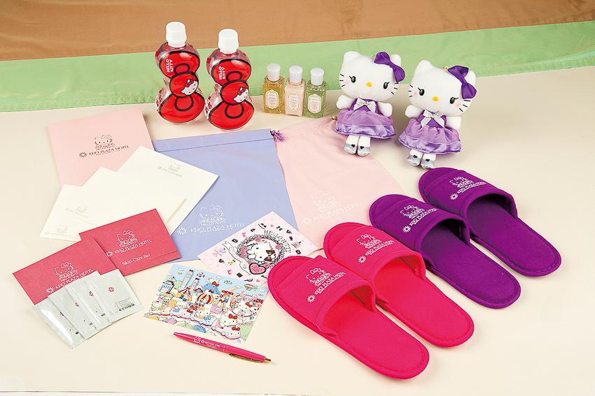 có sự góp mặt của mèo Hello Kitty và các nhân vật Sanrio - 8