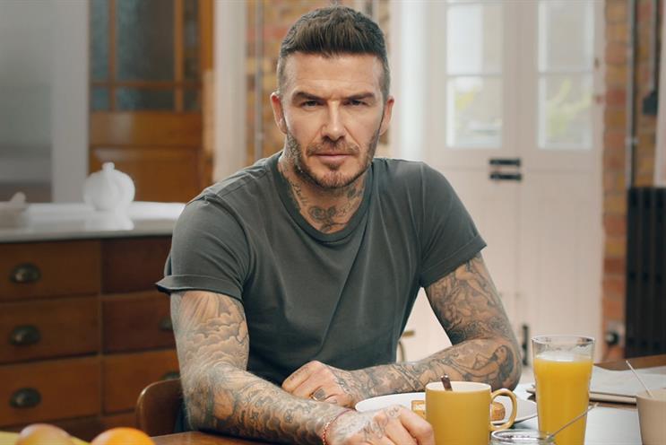"""David Beckham """"nói"""" chín thứ tiếng nhờ công nghệ deepfake."""