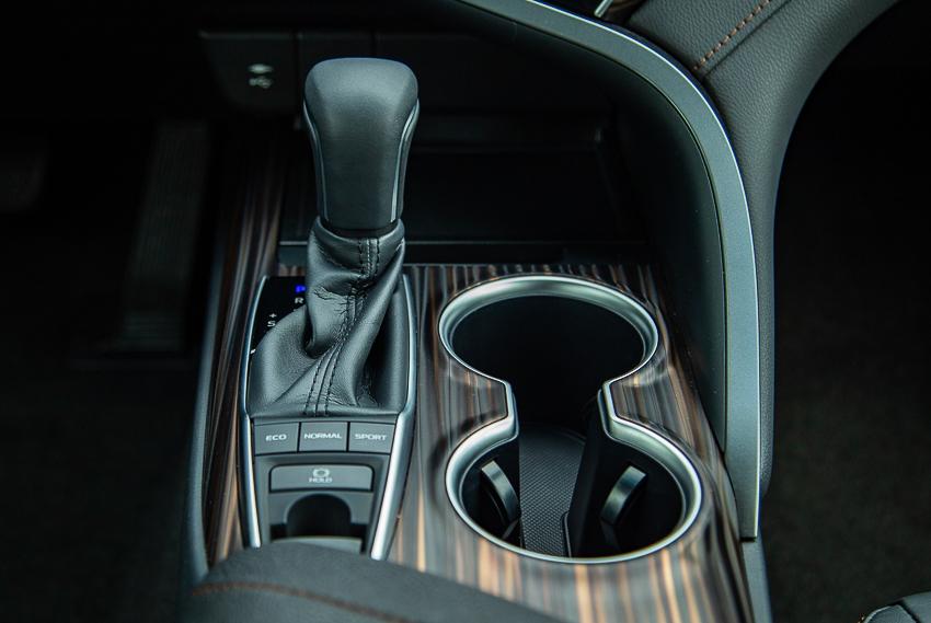 Toyota Việt Nam ra mắt Camry 2019 - 12
