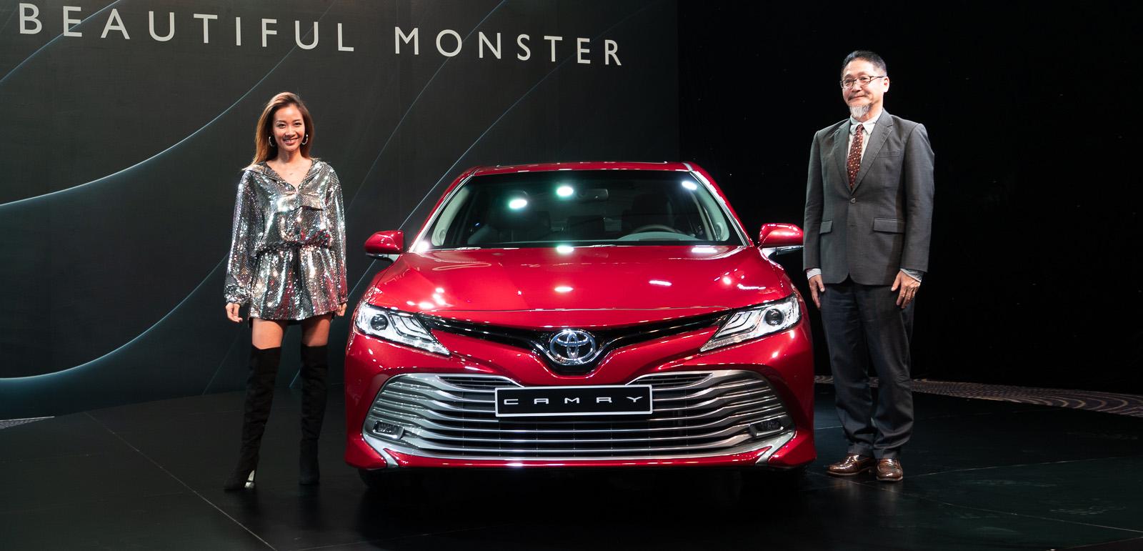 Toyota Việt Nam ra mắt Camry 2019 - 01