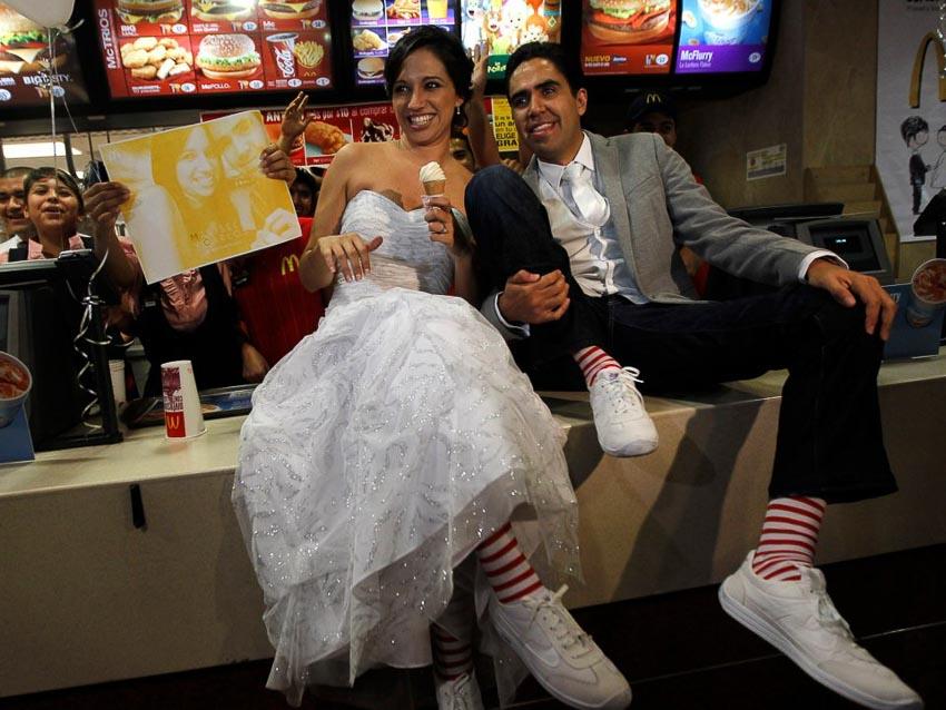 """9 lý do tại sao """"đưa nhau đi trốn"""" lại tốt hơn tổ chức một đám cưới lớn"""