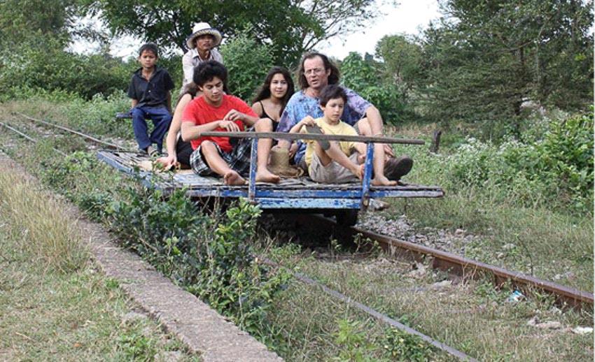 Norry (xe lửa tre của Campuchia)