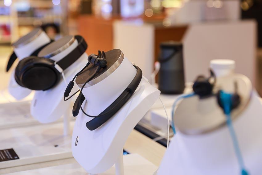 Các sản phẩm âm thanh trưng bày tại Bose Store