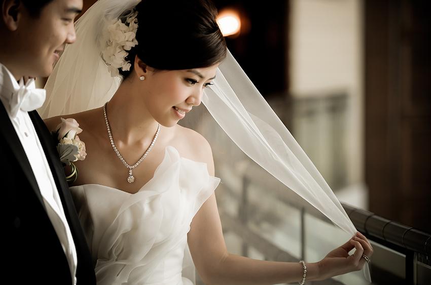 Cô dâu Á châu.