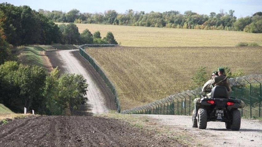 Những bức tường phân chia biên giới các nước mà ít người biết đến 8