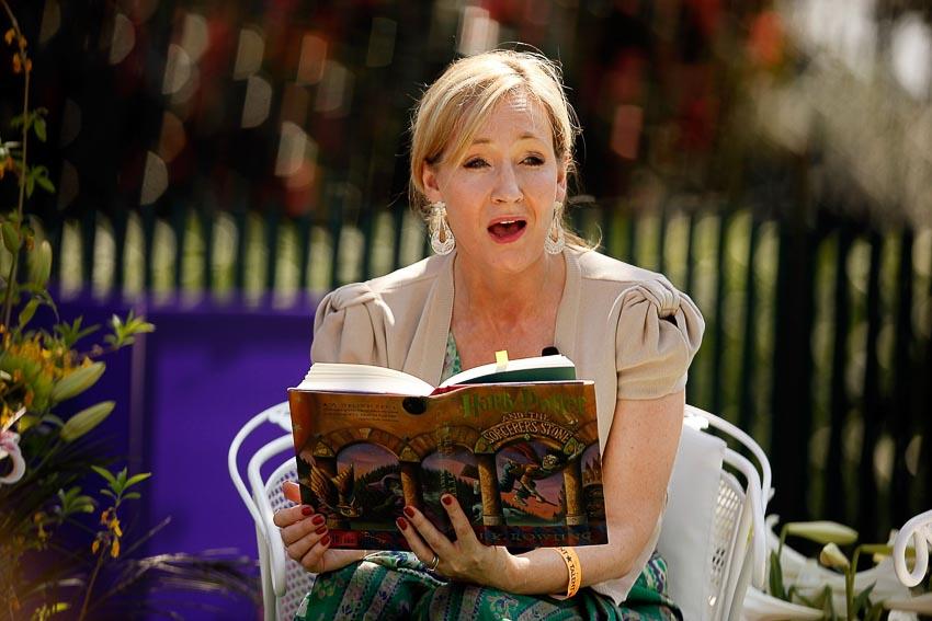 Nữ văn sĩ J. K. Rowling và Harry Potter