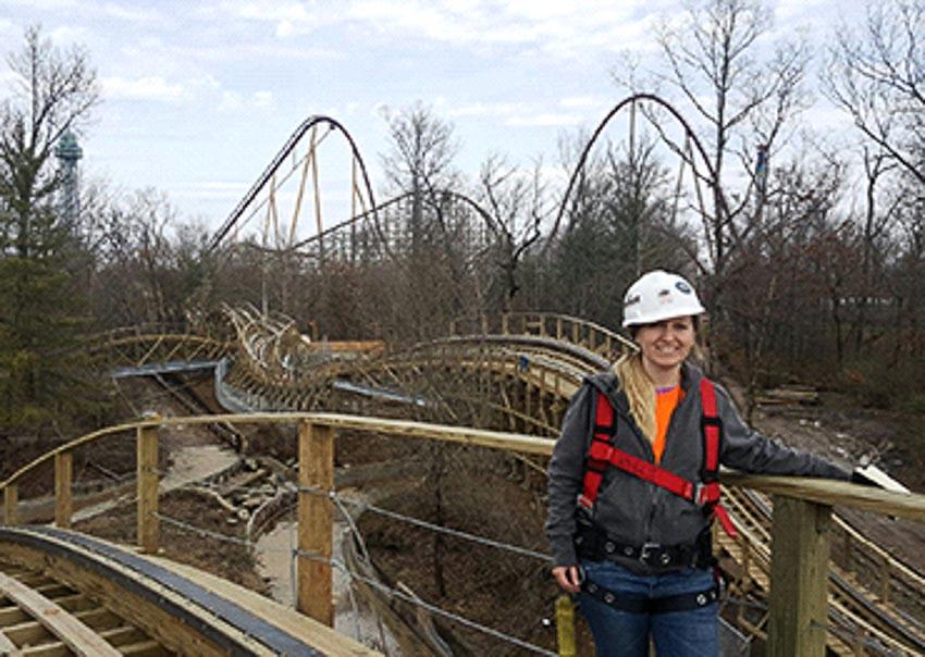 Anya Lehrner đang thiết kế một roller coaster mới Mystic Timbers