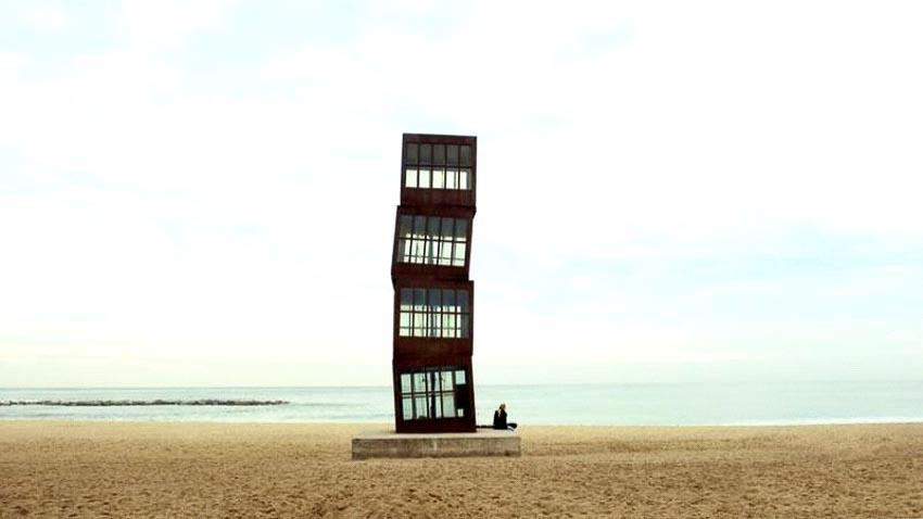 Tháp L'Estel Ferit, bãi biển Barceloneta, Tây Ban Nha