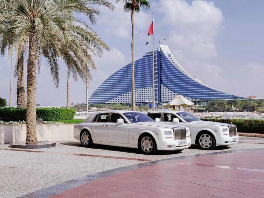 So sánh Khách sạn bảy sao Burj Al Arab và Jumeirah Beach Hotel 16