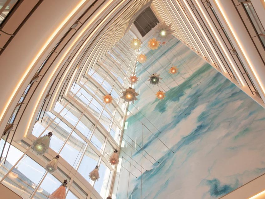 So sánh Khách sạn bảy sao Burj Al Arab và Jumeirah Beach Hotel 18