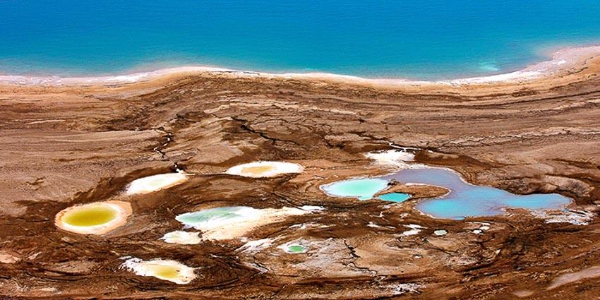 Những hố sụt đang nuốt Biển Chết