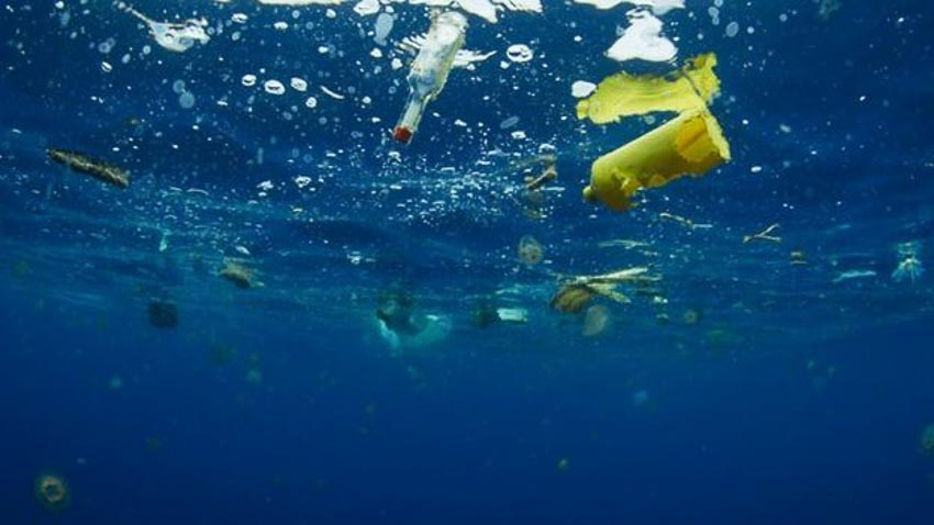 Mỗi năm, hàng triệu tấn rác thải nhựa thải xuống các đại dương