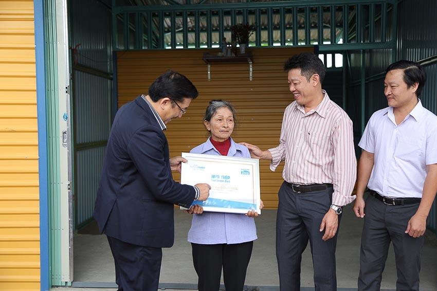 Tôn Zacs và đại lý trao tặng 50 ngôi nhà thép Zacs cho người lao động nghèo 2