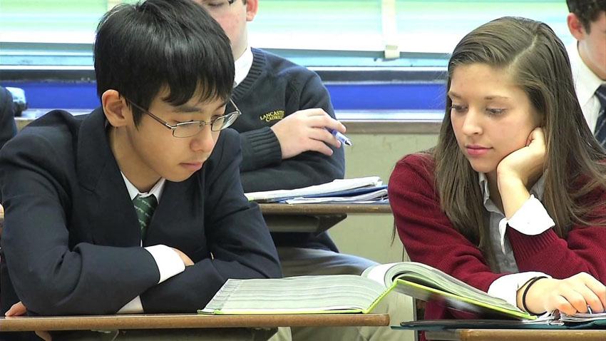 """Từ """"thế hệ lo âu"""" tại Harvard đến nạn xâm hại tình dục nữ sinh tại Nhật Bản 8"""