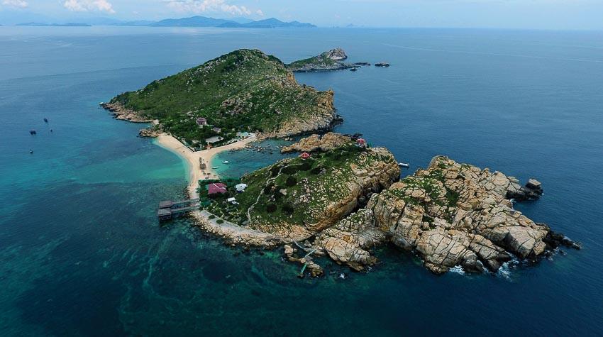 Đảo Yến - hòn Nội nhìn từ trên cao