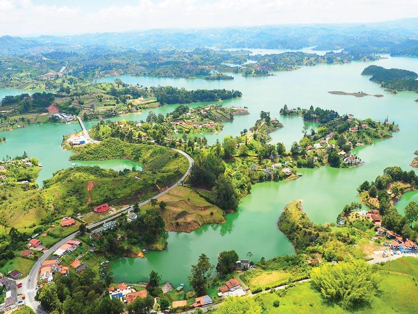 Vùng hồ Guatapé có nét giống vịnh Hạ Long
