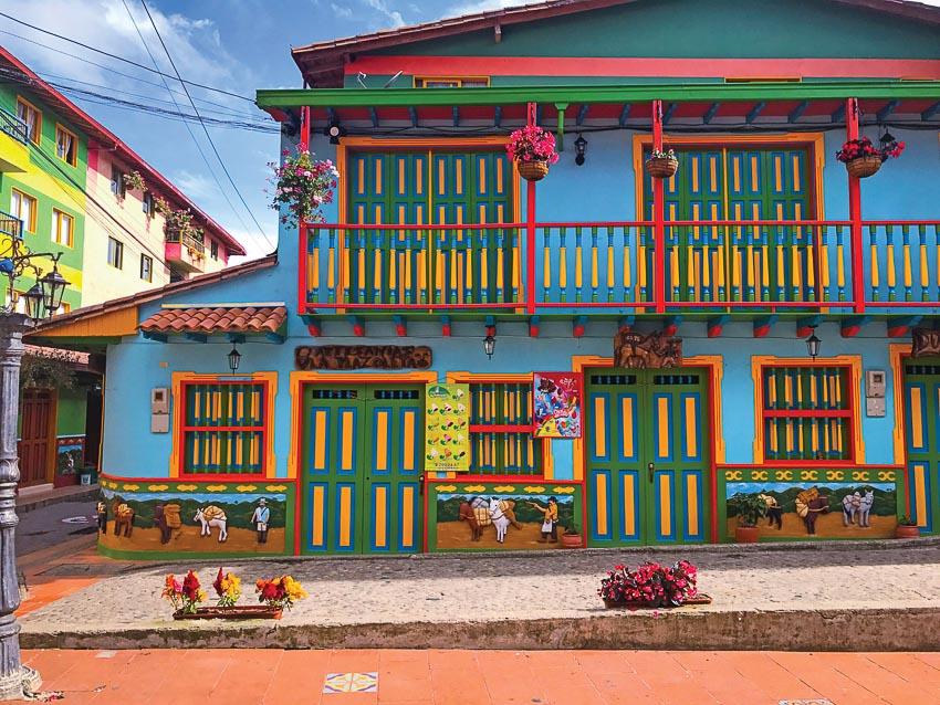 Phong cách trang trí nhà cửa ấn tượng của người dân thị trấn Guatapé
