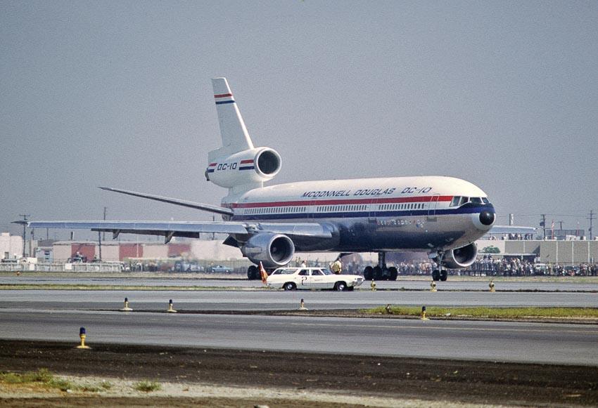 Những dòng máy bay đã từng gặp khủng hoảng giống Boeing 737 Max 2