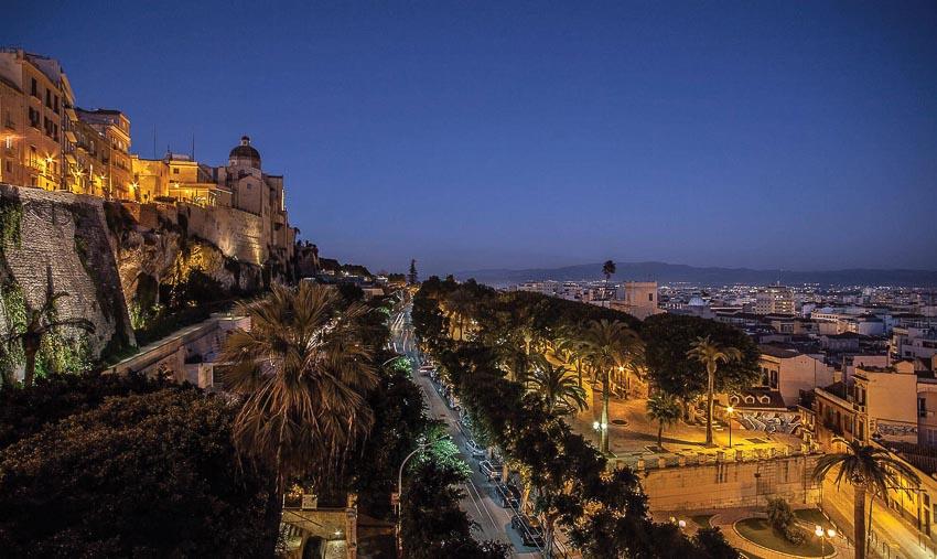 Cagliari về đêm