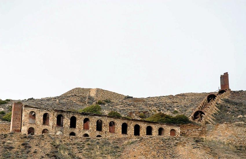 Khu mỏ bỏ hoang trên đảo