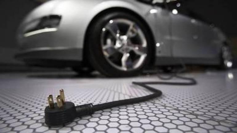 Ô tô điện là giải pháp chọn lựa để tránh phụ thuộc vào nguồn dầu mỏ.