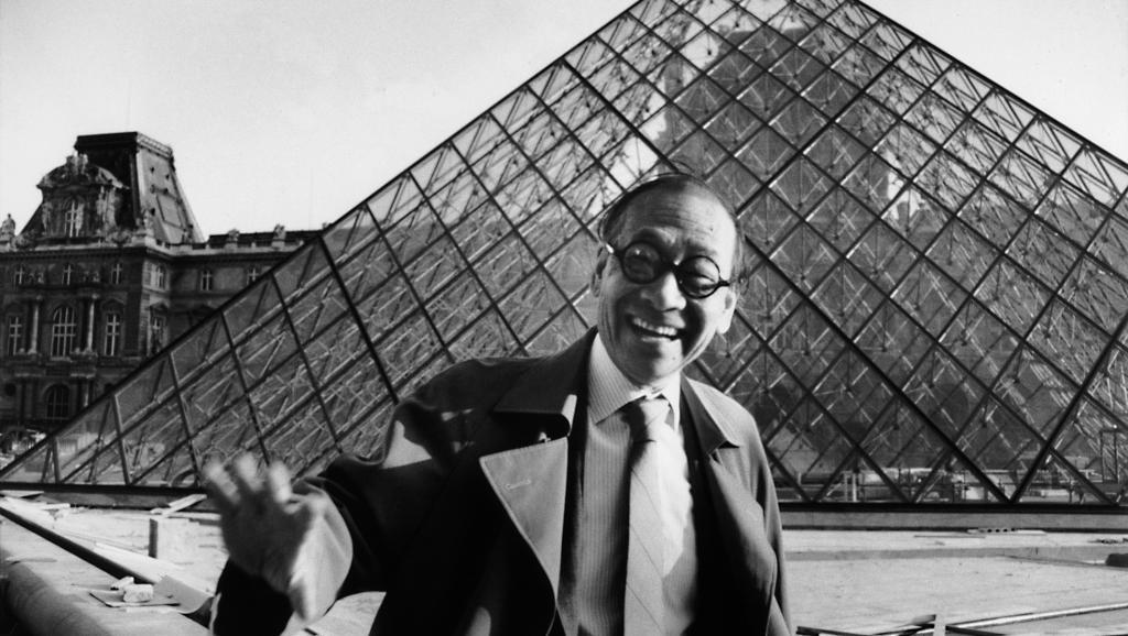 """""""Cha đẻ"""" của tòa kim tự tháp bằng kính trong suốt ở lối vào bảo tàng Louvre đã qua đời - 02"""