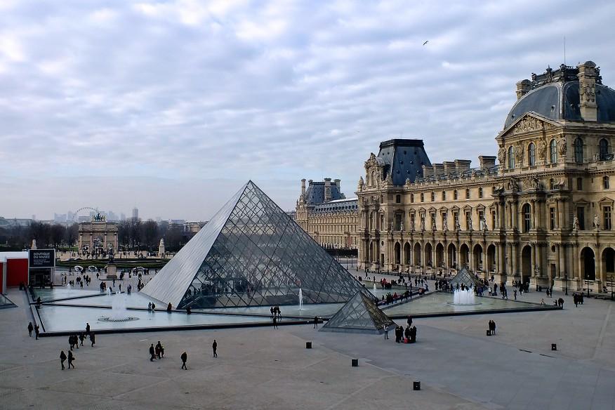 """""""Cha đẻ"""" của tòa kim tự tháp bằng kính trong suốt ở lối vào bảo tàng Louvre đã qua đời - 01"""