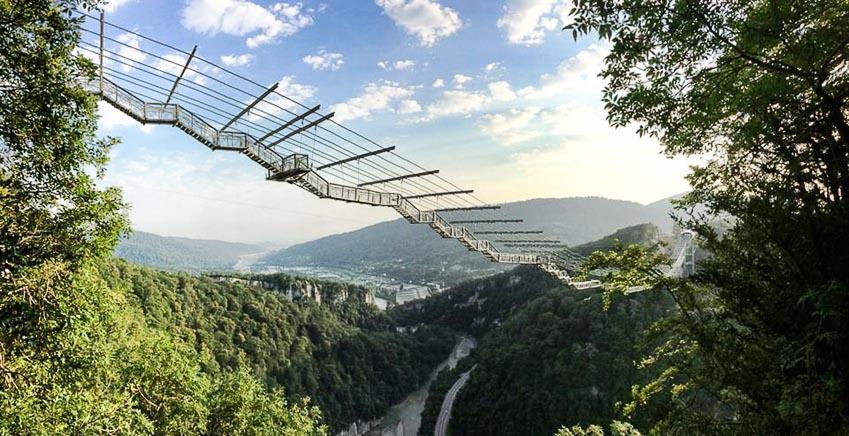 13 chiếc cầu đi bộ ngoạn mục nhất thế giới 12