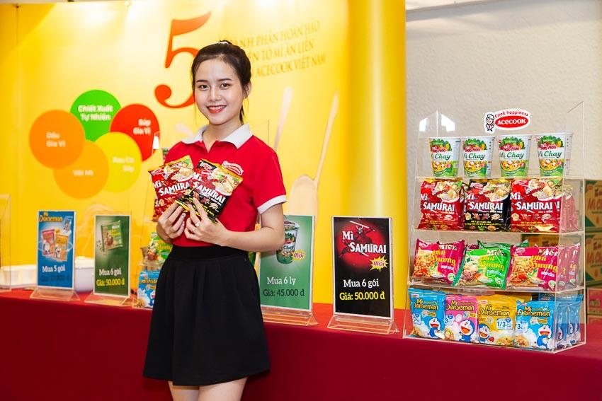Acecook Việt Nam ra mắt mì SAMƯRAI thảo dược với bảy gia vị giải cảm 2