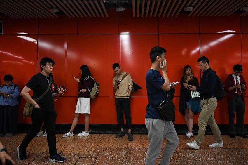 Loài người và Smartphone 2