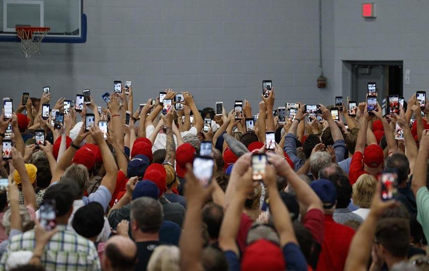 Loài người và Smartphone 9