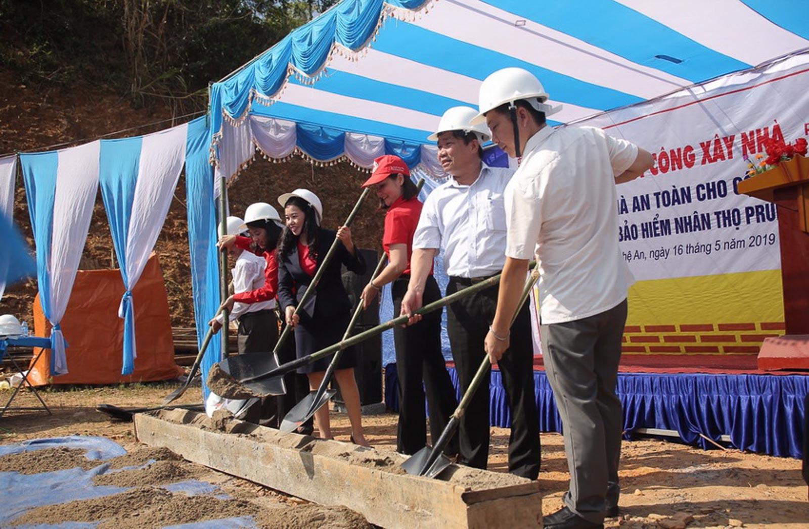 Prudential xây dựng nhà an toàn cho người dân vùng bão lũ 1