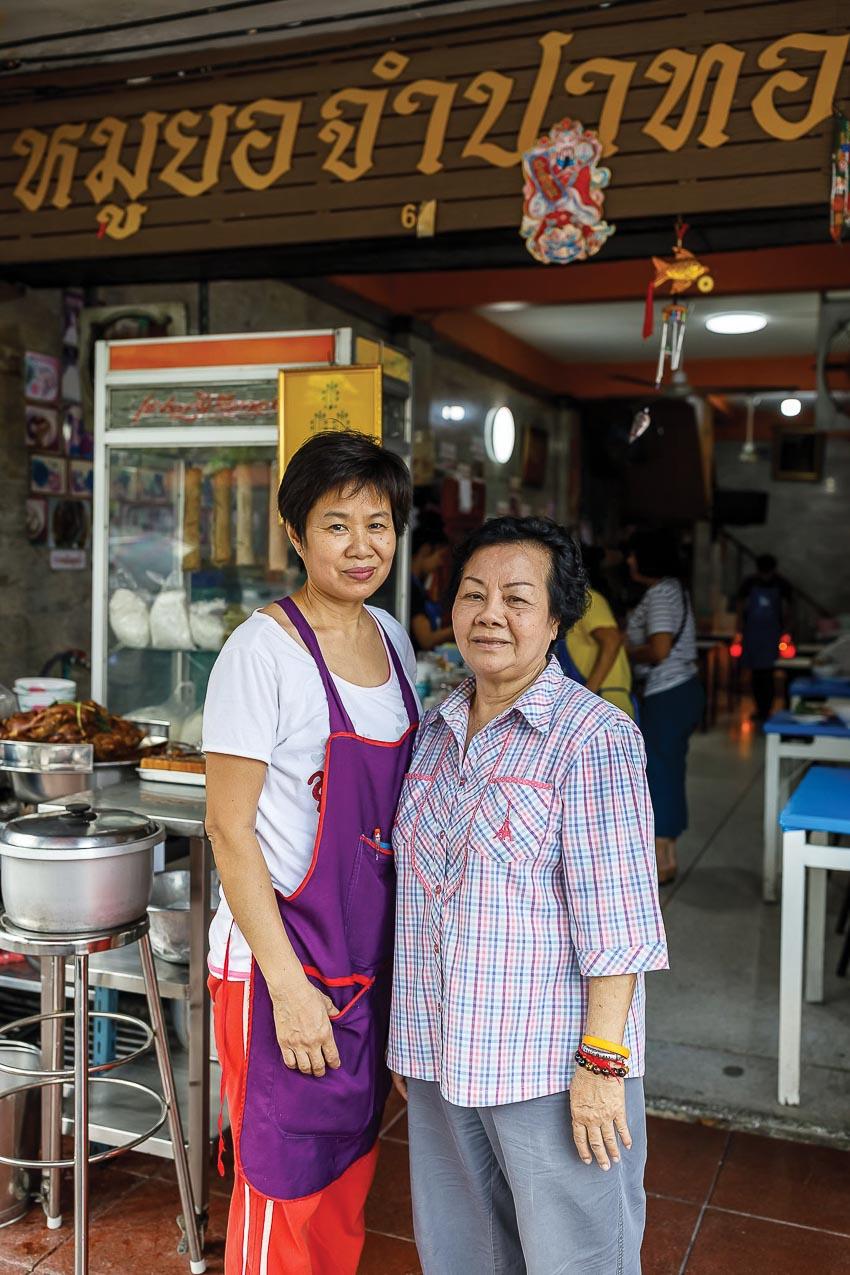 Người Thái thích ăn giò chả Việt 4