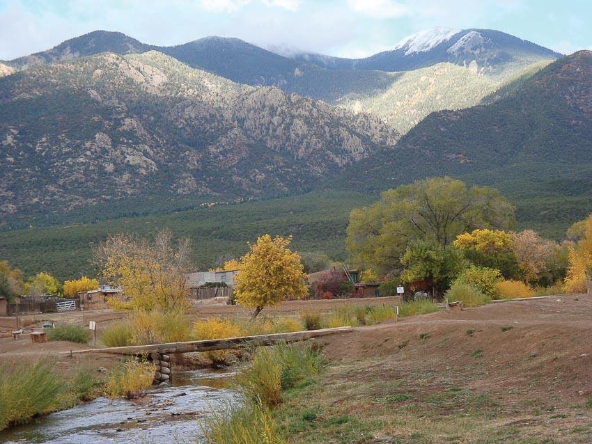 thành phố Taos bang New Mexico 2