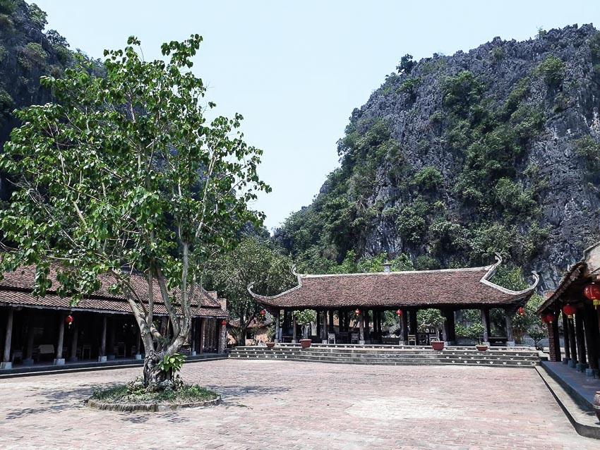 Thăm làng Việt cổ khi đến Tràng An 2