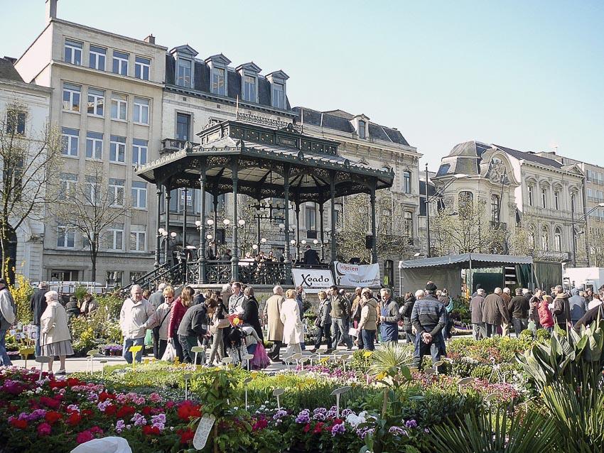 Phiên chợ hoa mỗi cuối tuần ở Ghent
