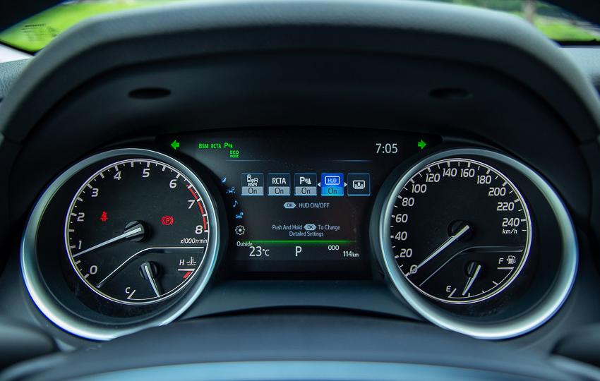 Sedan hạng D Toyota Camry 2019 12
